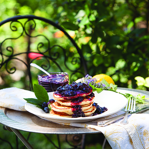 Ricotta pankcakeswblueberries